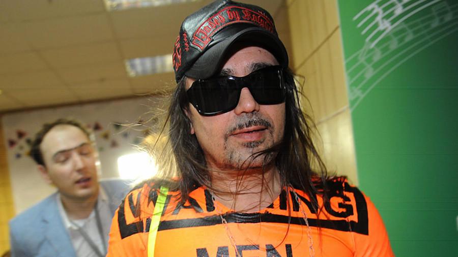 6. Богдан Титомир В начале 90-х певец Богдан Титомир был задержан на границе Германии со Швецией, та