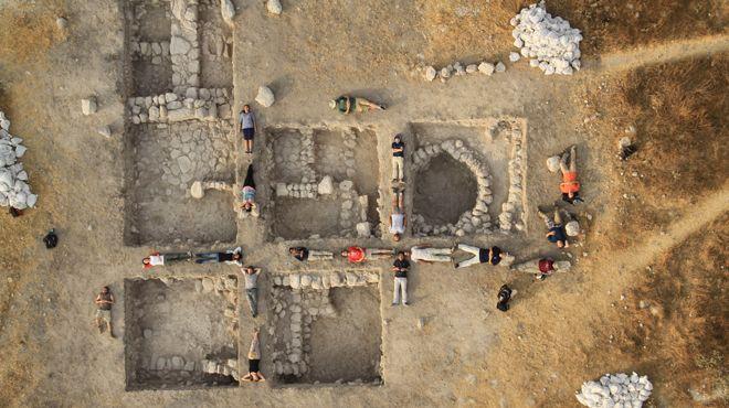 На юге Израиля археологи обнаружили городище эпохи железного века и многочисленные артефакты, которы