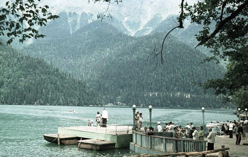 1952 Из серии «Озеро Рица». Владислав Микоша7.jpg