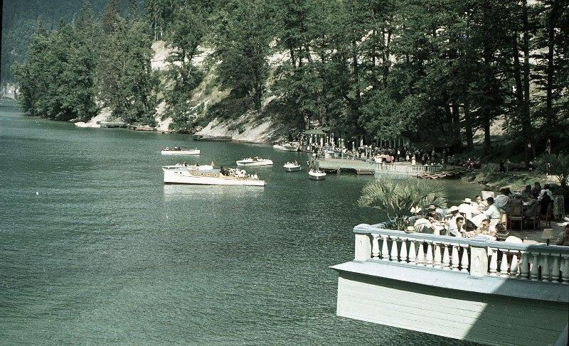 1952 Из серии «Озеро Рица». Владислав Микоша15.jpg
