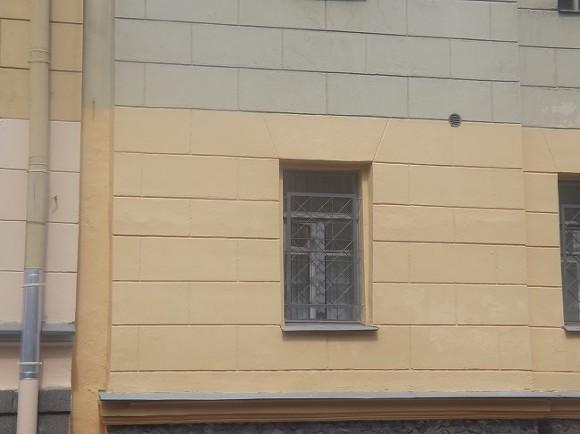 20160625_15-23-В Петербурге демонтировали памятную доску Маннергейму
