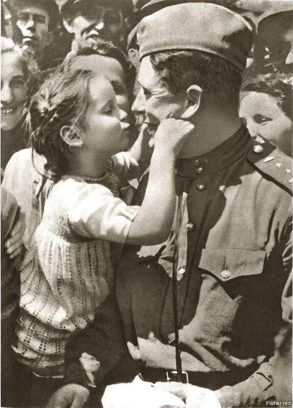 , с 6 по 11 мая 1945 года проходила Пражская операция - финальная стратегическая операция Кр армии во 2 мировой войне, которая завершилась освобождением столицы Чехословакии.jpg