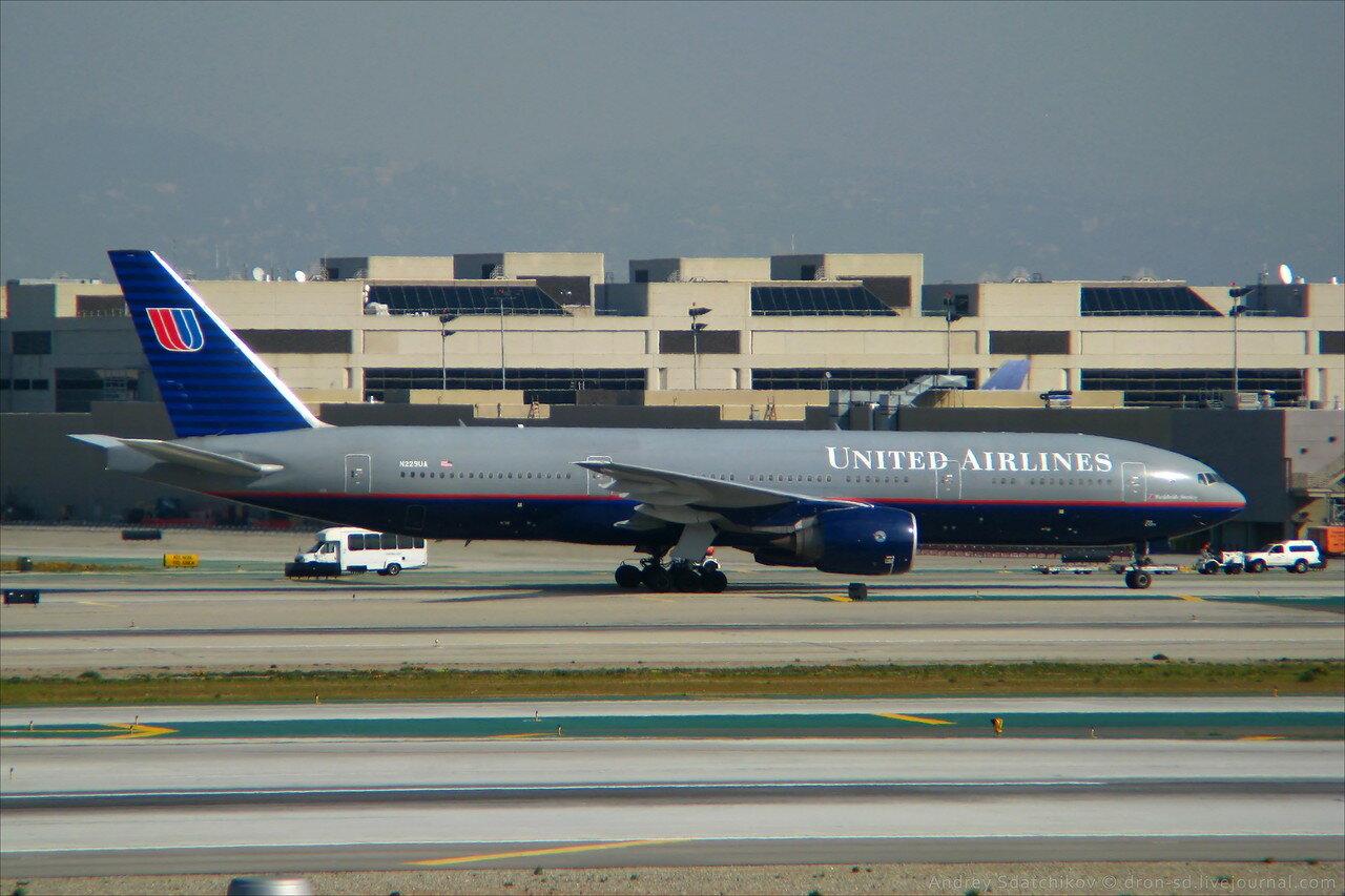 схема самолётаboeing 757-200, ютэйр