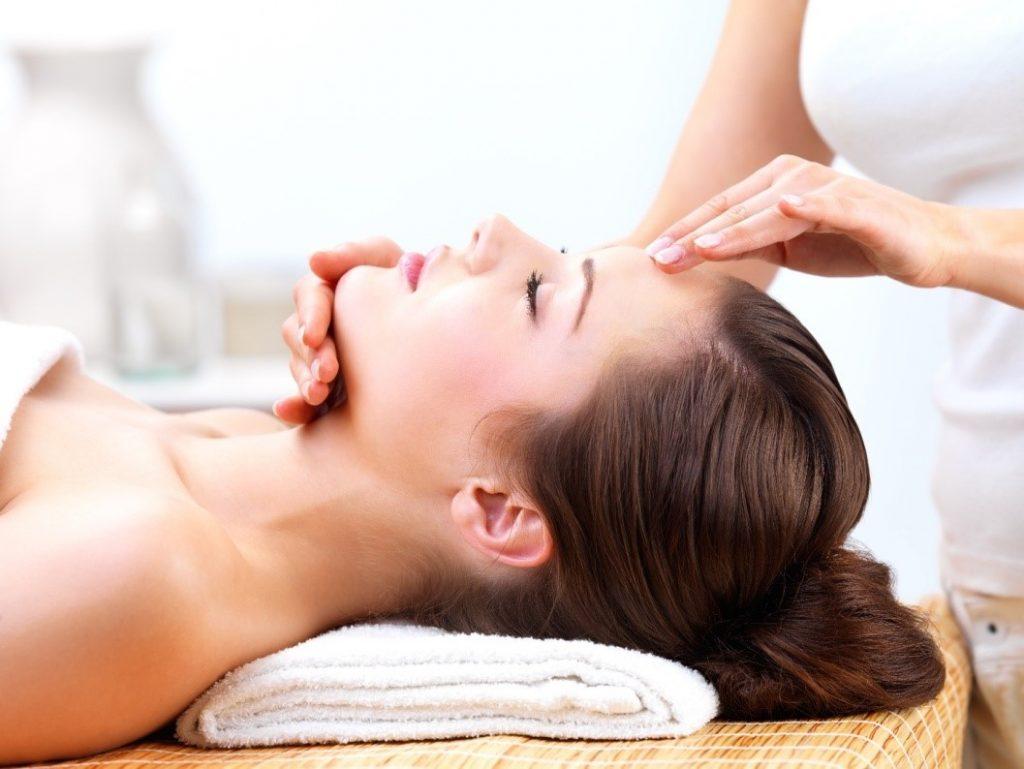 Как правильно сделать массаж головы от головной боли (6 фото)