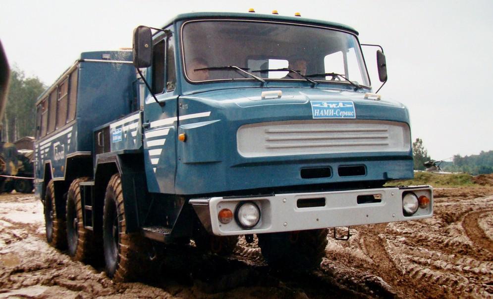Тем временем в гамму машин «Синяя птица» были введены доработанные версии ЗИЛ-49062 с гидроманипулят