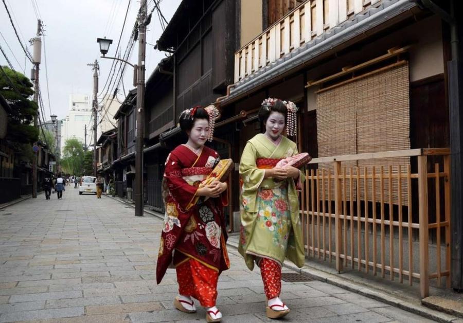 21. Япония Японцы получают всего 10 дней в году на отпуск. Но даже этот срок считается завышенным и