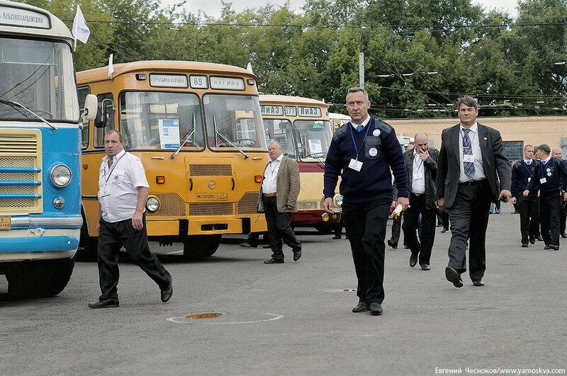Лето. Парад автобусов. 13.08.16.02..jpg