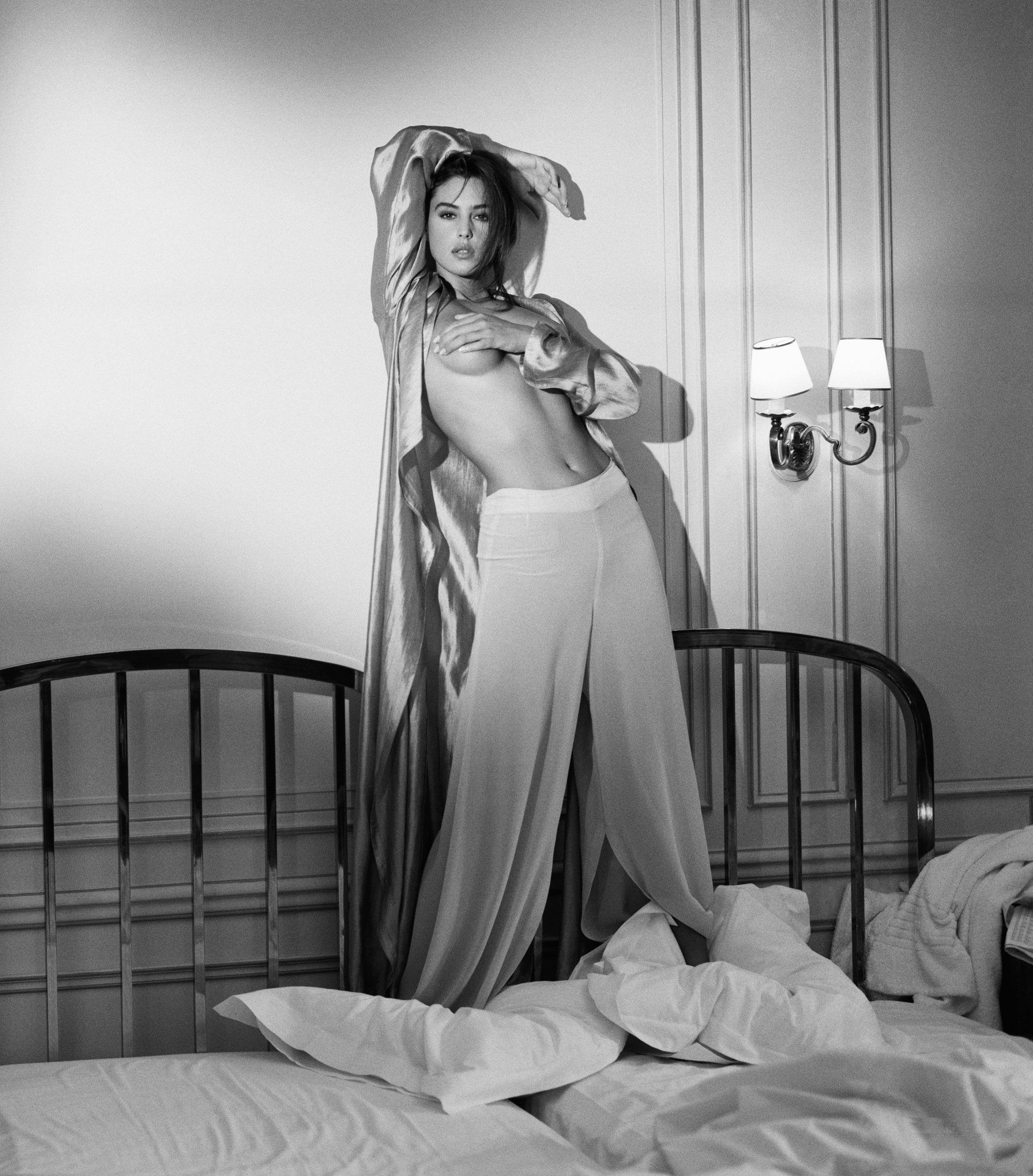 Филем онлаен отрывок эротика моники белуччи 20 фотография