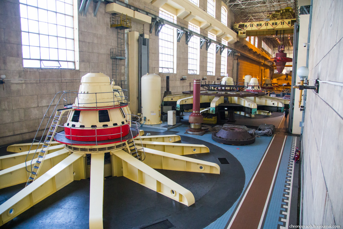 Монтаж рабочего колеса гидроагрегата №7 на Жигулёвской ГЭС 0_11234b_5b60e9a0_orig