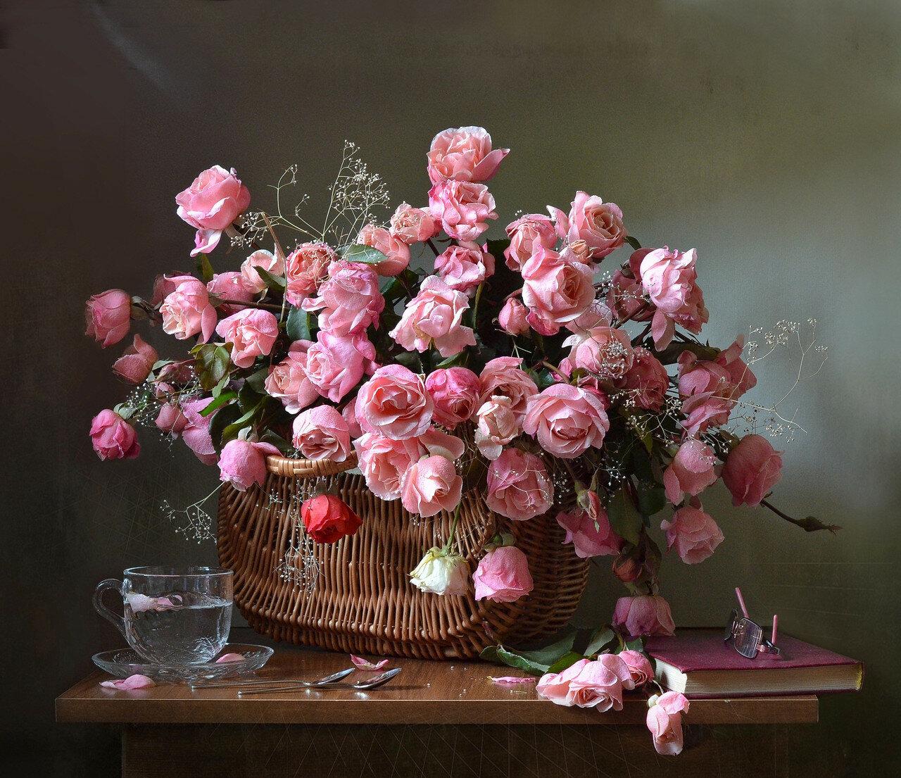 Розовые розы )