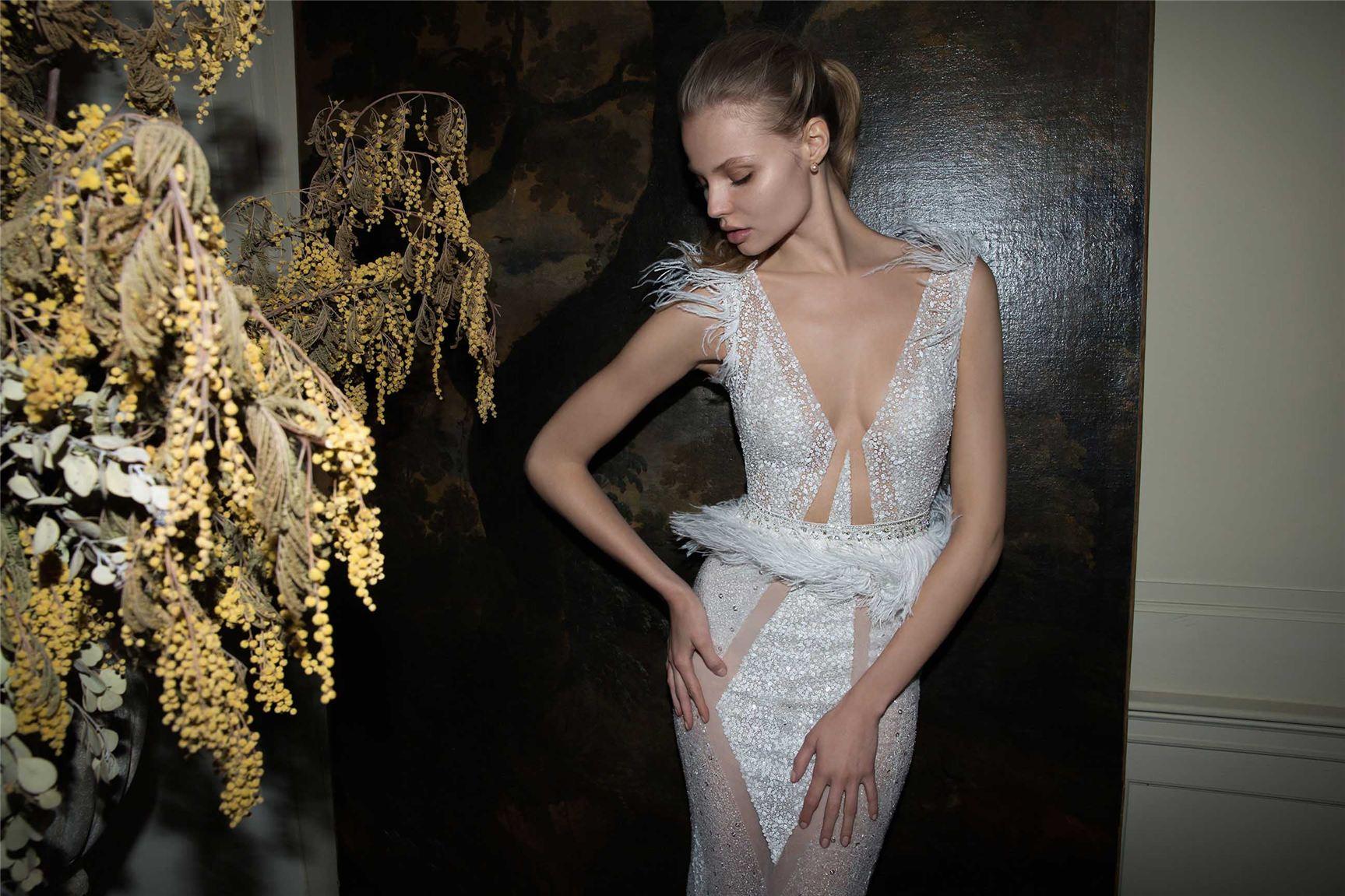 Magdalena Frackowiak / Магдалена Фраковяк в свадебных платьях Berta Bridal, осень-зима 2016