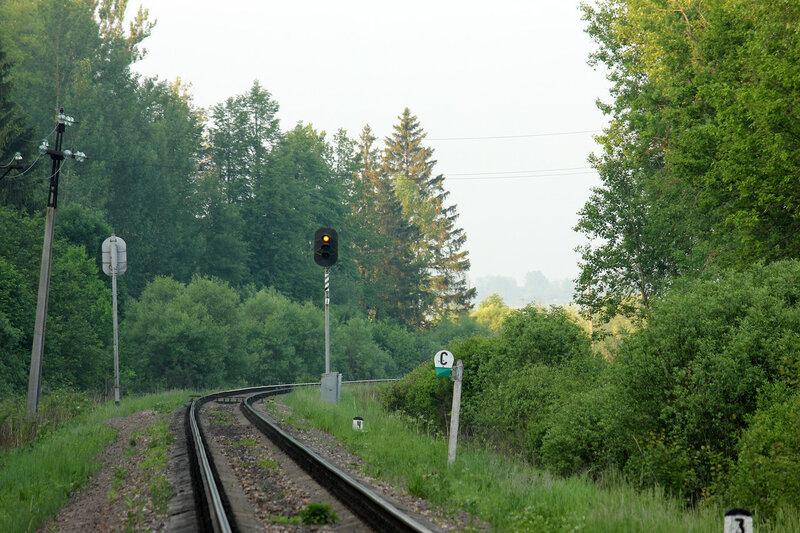 Предвходной светофор №1 перегона Осуга - Сычёвка на станцию Сычёвка