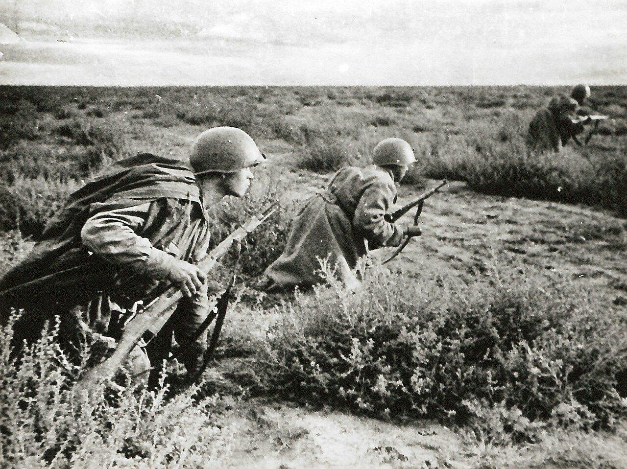 1941. Советские солдаты во время Ростовской операции