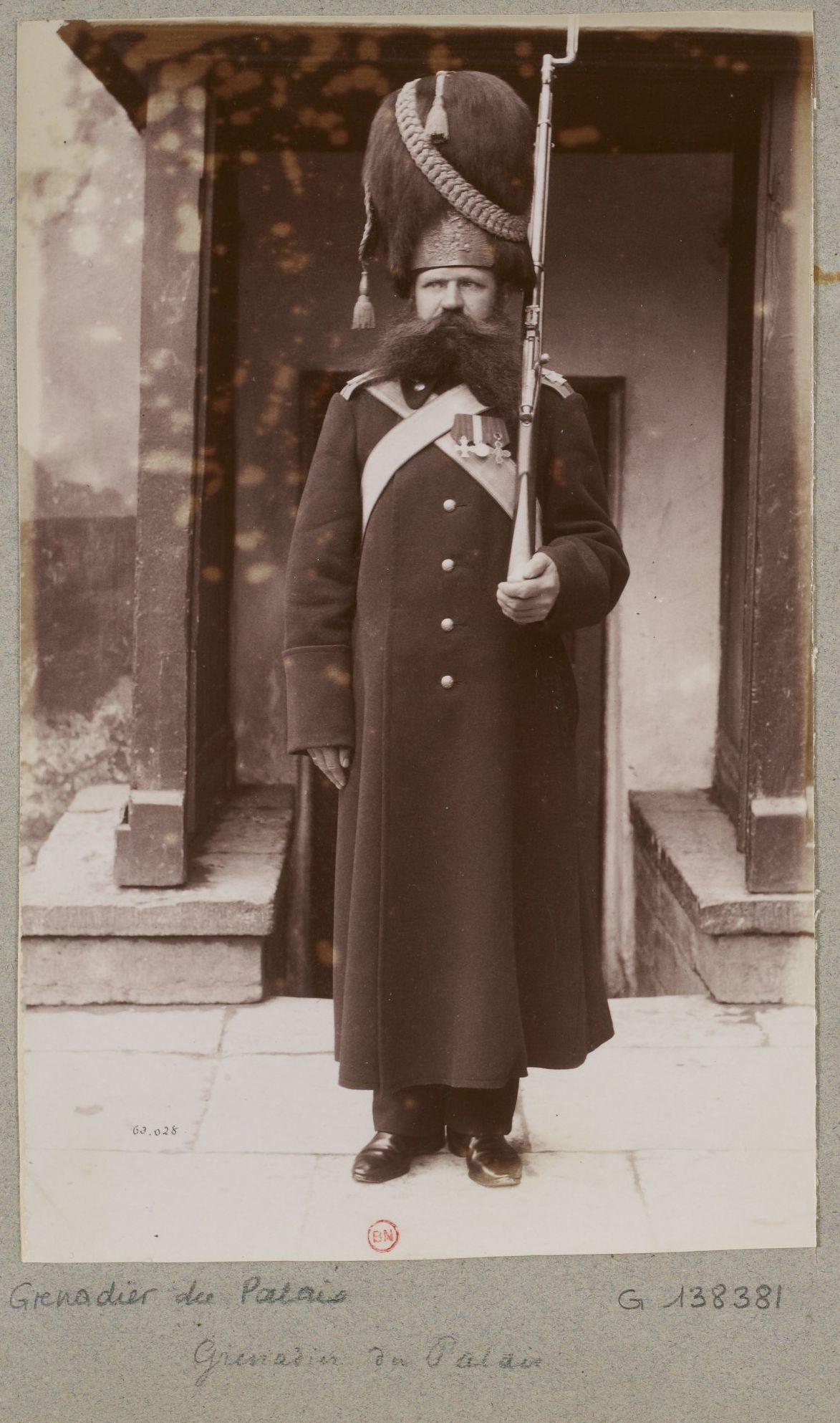 Черных пиздят в армии 12 фотография