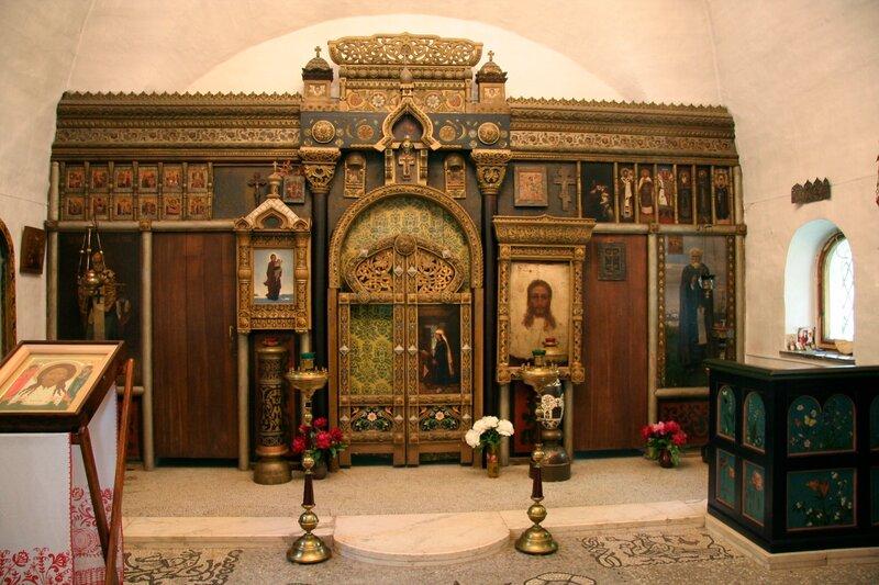 Абрамцево, церковь Спаса Нерукотворного. Иконостас