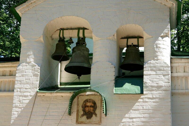 Абрамцево, церковь Спаса Нерукотворного, Звонница