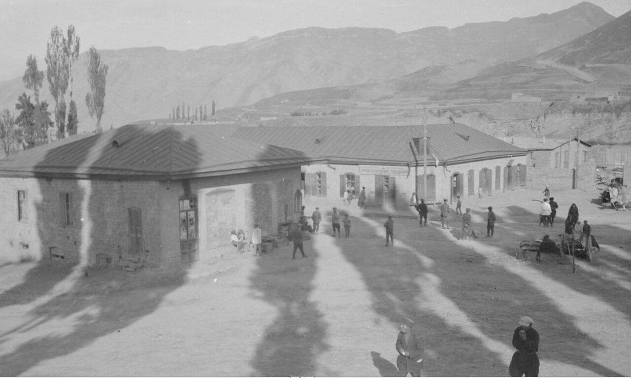 Центральная площадь в селе