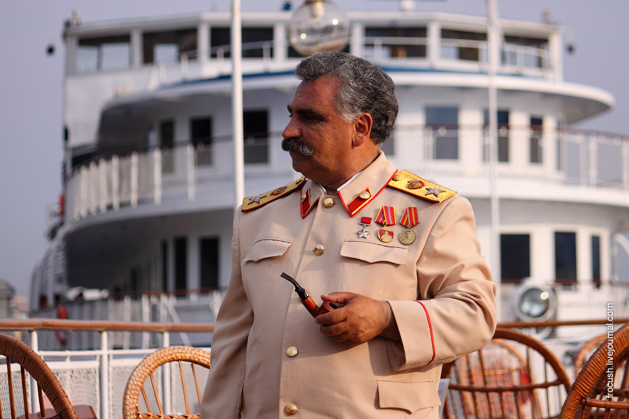 И.В.Сталин на борту ретро-теплохода «Максим Горький»