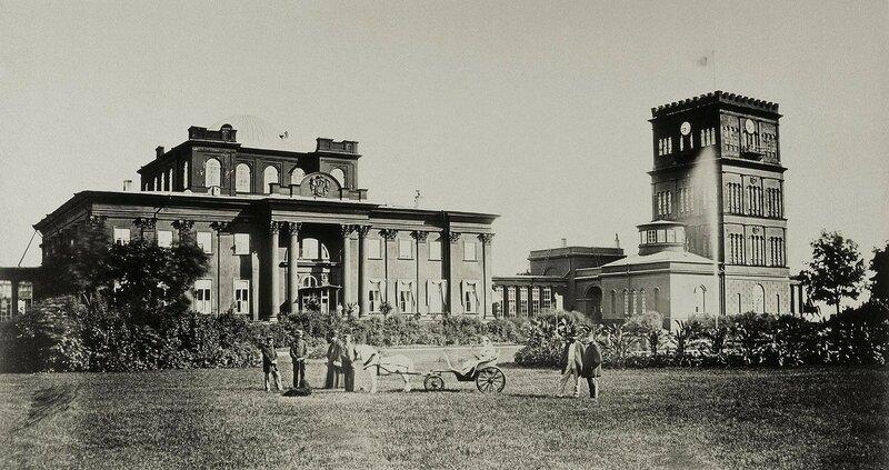 1860е Дворец И.Ф. Паскевича в Гомеле. Фасад и башни со стороны площади Иван Бианки.jpg