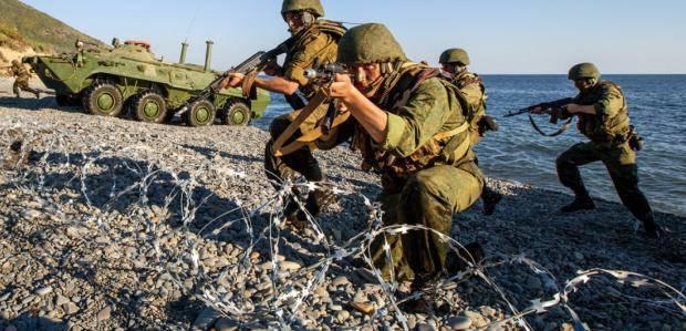 К 25-летию современного государства: Войной и декоммунизацией Украина получила настоящую Независимость