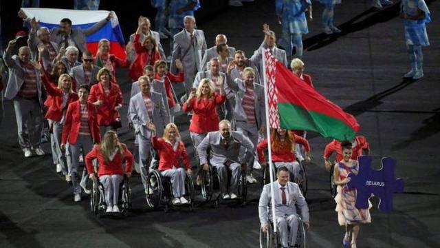 Белорусы вышли с российским флагом на открытии Паралимпиады. Будет проведено расследование. ФОТО