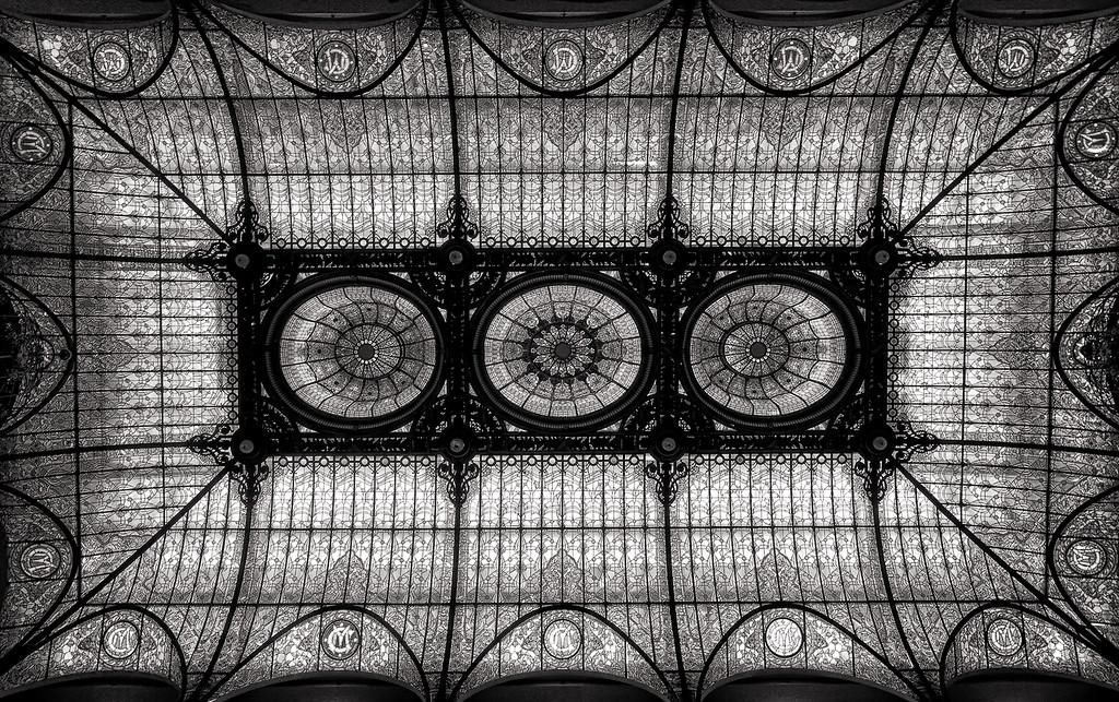Черно-белое искусство Enrique Pelaez