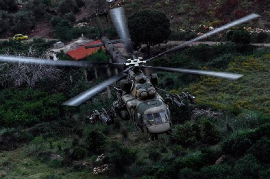 НаДонбассе вертолет ВСУ совершил вынужденную посадку
