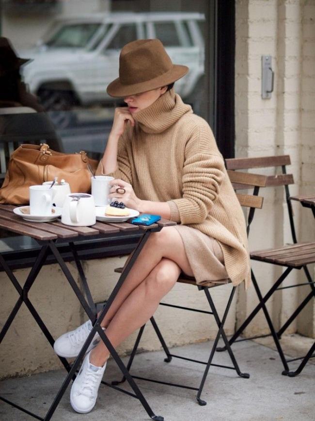 © fashionfar  Француженка отдает себе отчет втом, что фуа-гра или сыр бри— это очень жирные