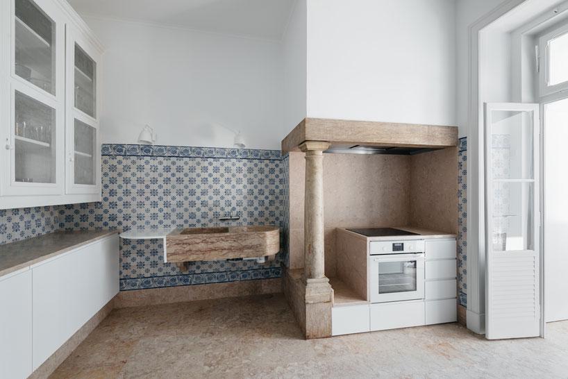 Обновленная квартира с прежними деталями в Лиссабоне