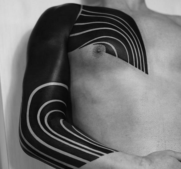 черные-крупные-татуировки-фото12.png