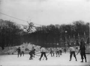 Матч хоккеистов Москвы и Петербурга на льду Юсупова сада. 6 января 1913