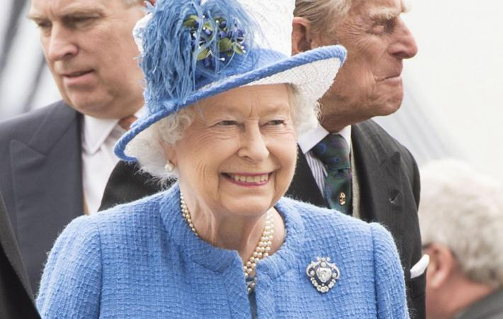Англия празднует «официальное» 90-летие ЕлизаветыII