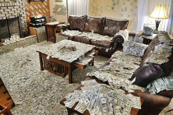РФ заняла 16-е место поколичеству долларовых миллионеров