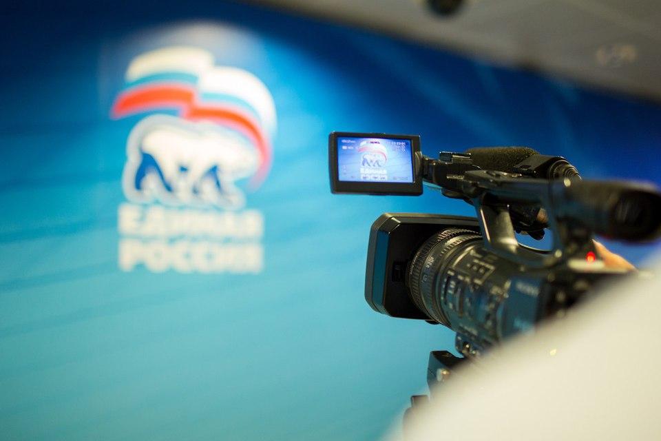 Премьер Медведев отчитался одоходах за2015 год