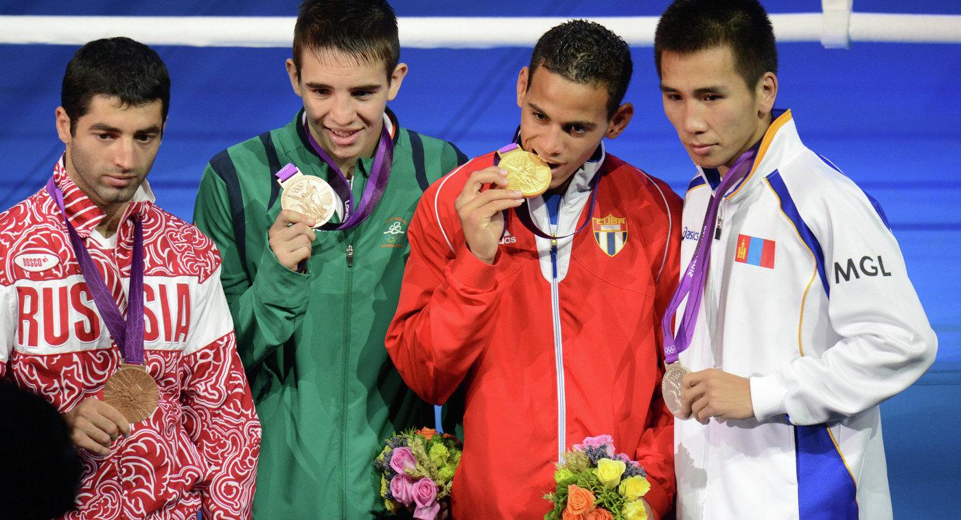 МОК вынес выговор боксерам, делавшим ставки нарезультаты поединков