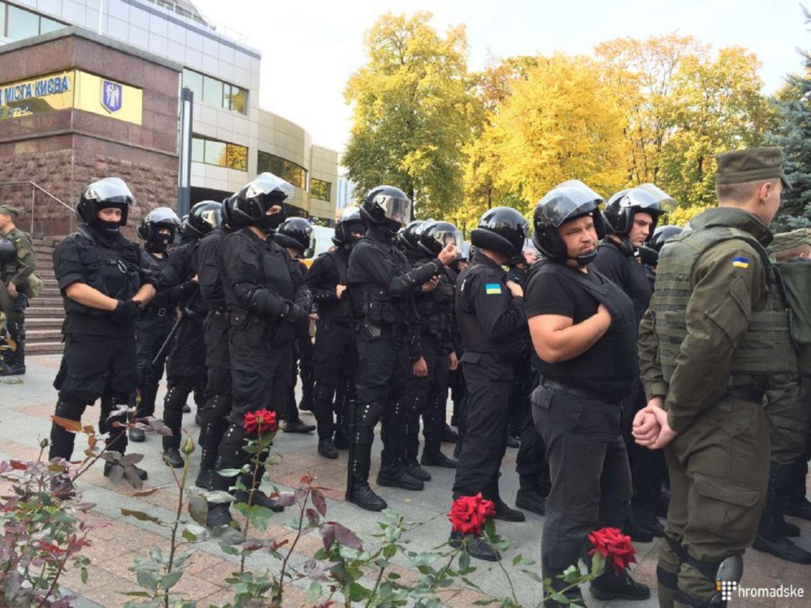 Подозреваемая вубийстве киевских милиционеров неонацистка выйдет насвободу