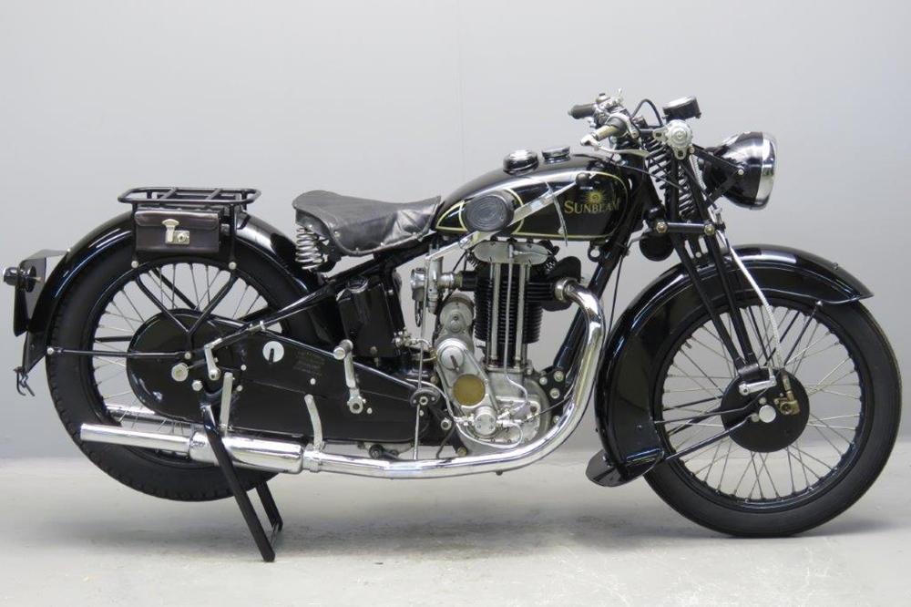 Старинный мотоцикл Sunbeam 9A 1932