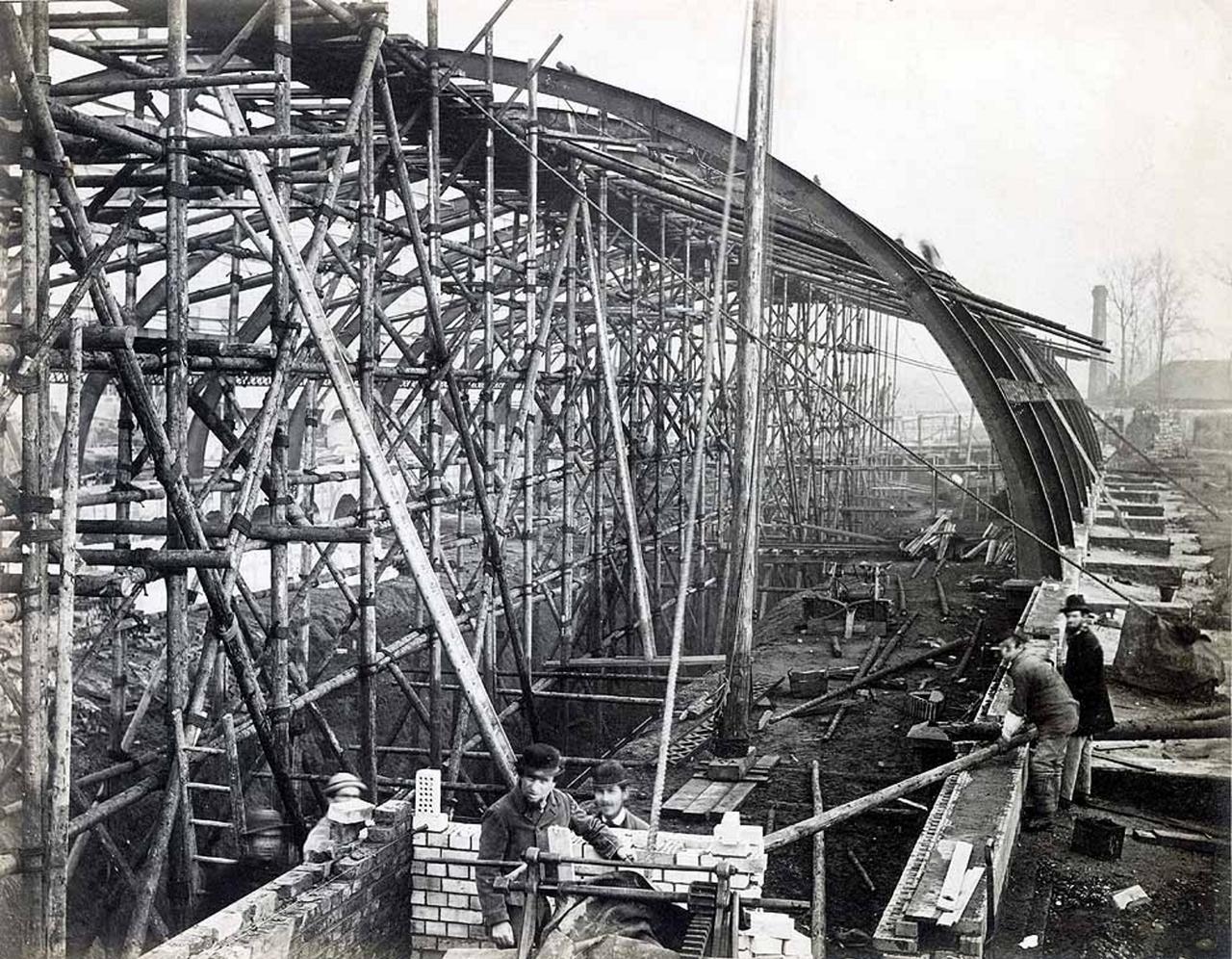 1866. Станция «Глостер» в стадии строительства
