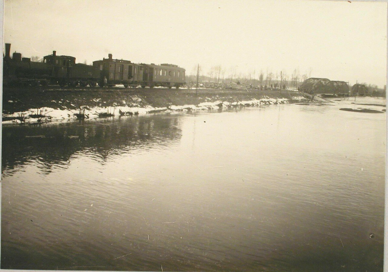 119. Река во время разлива. Галиция. ст. Трынча
