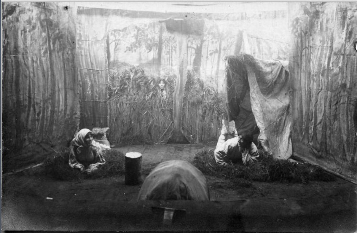 1915. Полковой театр. Фрагмент спектакля