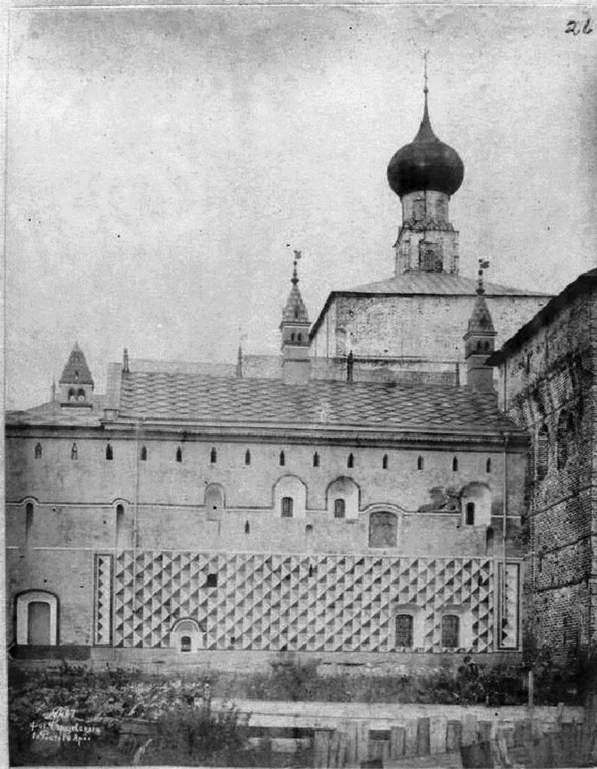 Кремль. Южная стена Теремов (училища Св. Димитрия) по восстановлении