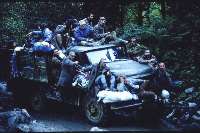 01 Oct 1993 --- EXODUS OF GEORGIANS FROM ABKHAZIE --- Image by © JONES JON/CORBIS SYGMA