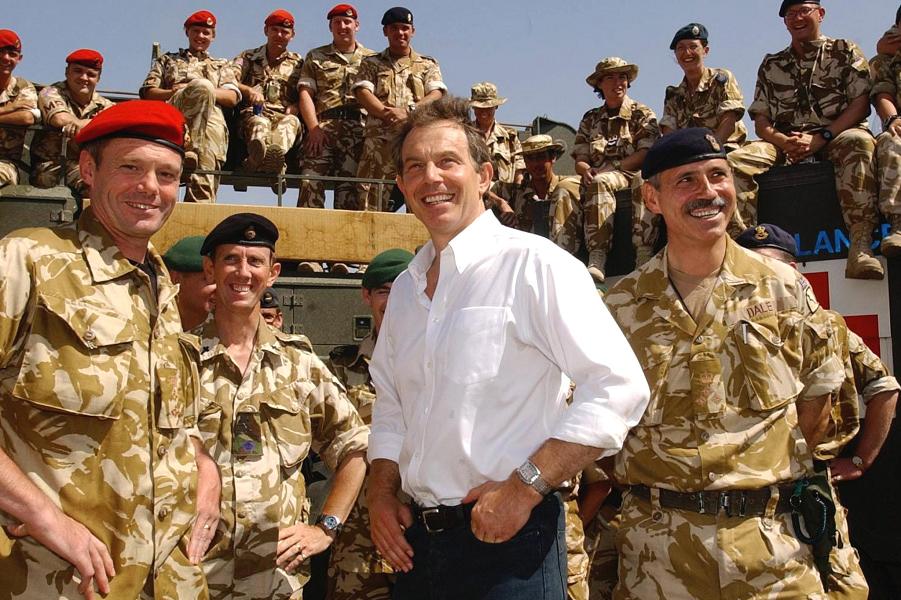 Тони Блэр в Ираке.png