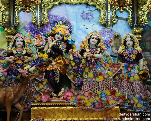 Sri Sri Radha_Gopinath  Lalita_Vishakha