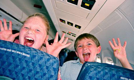 дети в самолете перелет