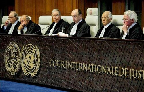 Платить не надо. Гаагский суд отменил решение о выплате $50 млрд акционерам ЮКОСа