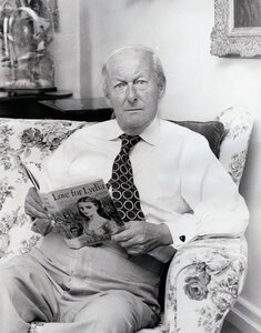 the story of herbert ernest bates He bates was born on may 16, 1905 in northamptonshire, england as herbert ernest bates he was a writer, known for a month by the lake (1995).