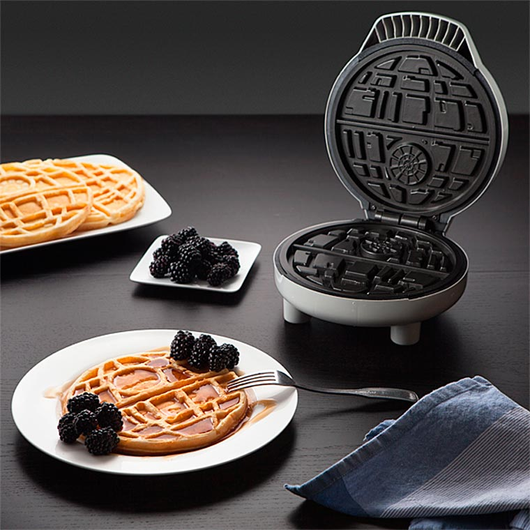 Star Wars - A Death Star waffle maker to reveal the dark side of breakfast