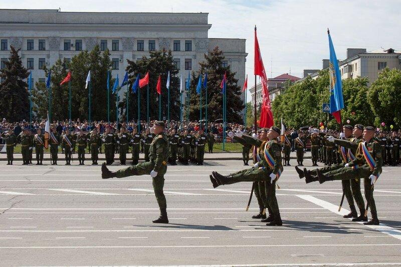 9 мая в Луганске. Бессмертный полк. Фото, видео