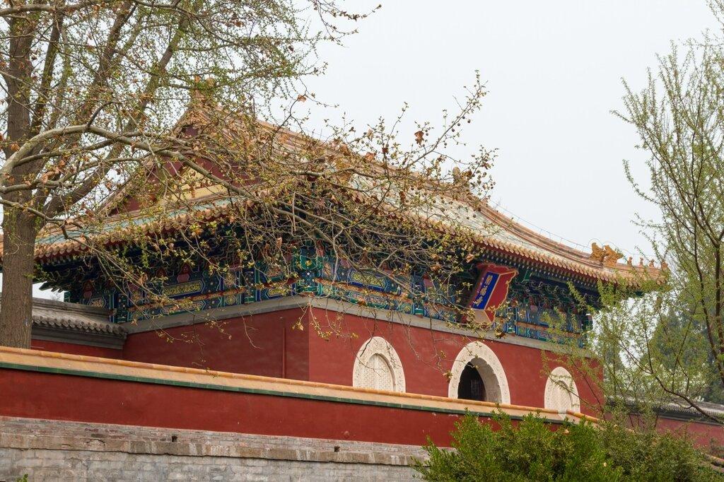 Храм Чаньфусы, парк Бэйхай
